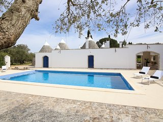 2 bedroom Villa in Ceglie Messapica, Apulia, Italy : ref 5217953