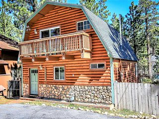 ~Juniper Creek~Centrally Located Cabin With Pool Table~