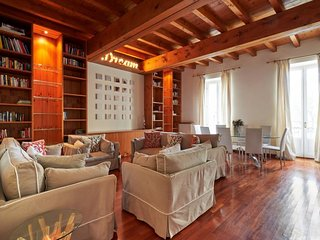 2 bedroom Apartment in Milan, Lombardy, Italy - 5605607