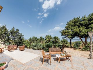 2 bedroom Villa in Mangiapane, Sicily, Italy : ref 5540044