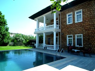 Private Villa Akinci - 4 Bedrooms pool and garden