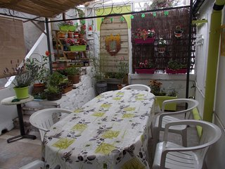Appartement F3 avec grande terrasse fleurie a la frontiere Franco-Espagnole