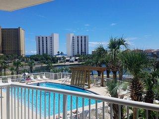 Premier oceanside resort condo, the best location in Destin!