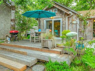 LIL' LOVE SHACK~Magical NEW LISTING that is the perfect romantic getaway!