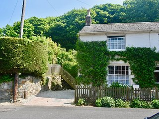 Stylish English Country Cottage on the West Coast of the Isle of Wight