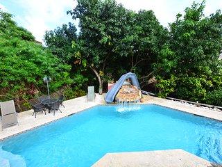 Caribbean Shores B&B  - King room