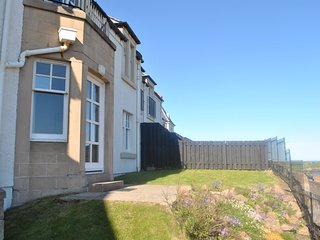 Puffins' Neuk- coastal apartment with sea views
