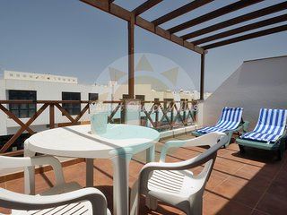 Apartment with terrace 2 minutes walk to everything Playa Blanca has to offer