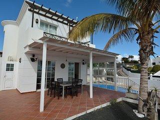 Luxury 3 bedroom villa with 7 meter heated pool and sea views