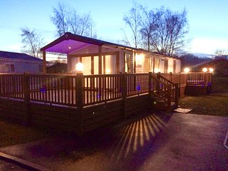 Tattershall Lakes luxury 6 berth caravan with own sunken hot tub