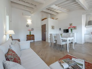 Sunrise View - 1 bdr. apartment a few steps from S. Croce Basilica, Florence