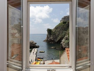 Bedroom in the center of Dubrovnik with Internet, Air conditioning (987895)