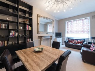 Elegant 2bed Apartment - 3min to Earl's Court tube