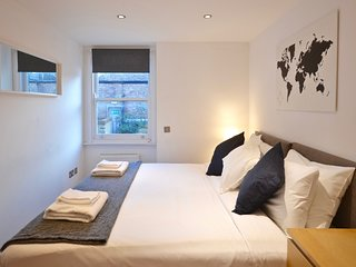 Thrive Boutique Apartments - Sapphire Suite - Convenient & Well Equipped 2 Bed