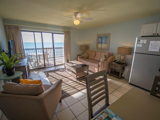Luxury Condo near Beach w/ WiFi, Deck & Resort Pool