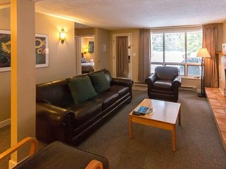 Luxury Condo near Skiing w/ WiFi, Resort Golf, Pool, Hot Tub, Spa & Ski Rentals