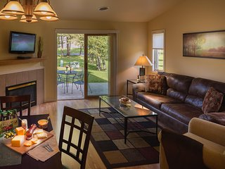 Tamarack and Mirror Lake Resort - One Bedroom