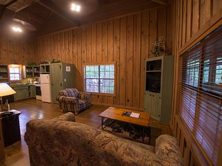 The Cabins at Green Mountain - Three Bedroom Cabin