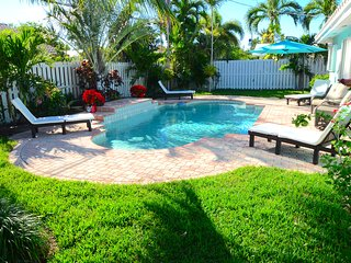 BTSVV'S CASA RIO-3/2 PRIVATE POOL,SHORT WALK TO BEACH IN LAUDERDALE BY THE SEA