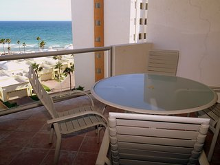 Beautiful 1½ Bedroom Condo on the Sea of Cortez at Las Palmas Resort BN-603A