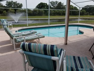 Lakeside Villa -10 min to Disney -On Water -South Facing Pool-Gameroom-Free WiFi