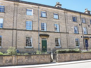 2 REGENCY HOUSE, modern Georgian style, plush furnishings, shared garden.