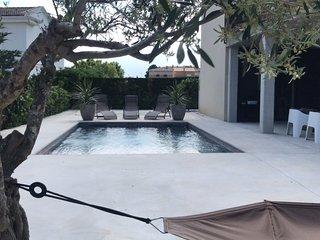Preciosa Villa con piscina para 6 personas