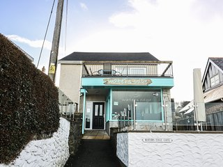 WATERS EDGE, sea views, decked area, in Aberporth, Ref 962393
