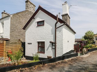 THE COTTAGE, woodburner, conservatory, in Benllech, Ref 965796