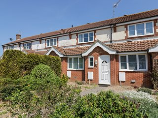 NUMBER 43, Mundesley 1 mile, beach 5 minute walk, Ref 973279