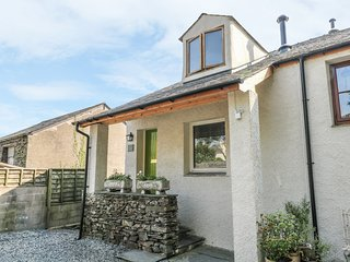 BROUGHTON-IN-FURNESS, woodburner, hillside views, charming interior, in Broughto