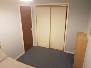 Private Room in Spacious Flat Great Location