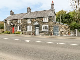 TYNEWYDD, character features, Smart TV, Grade II listed