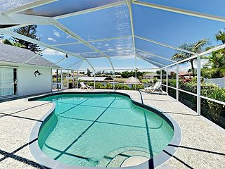 Canal-Side 4BR w/ Screened-in Pool, Boat Dock & Gulf Access - Near Dining