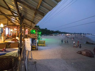 #01 Beach-front & Amazing Sea View Place to Relax & Food