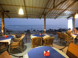 #02 Beach-front & Amazing Sea View Place to Relax