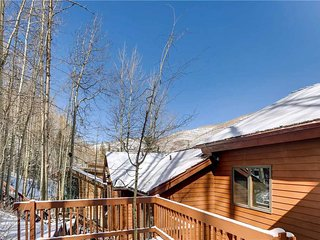 706A Forest Road 5BD Private Home