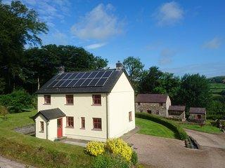 Treberfedd Farm - Farmhouse