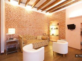 Wonderful 2 bedroom House in Milano  (F4539)