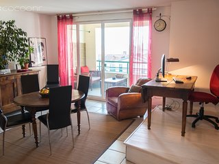 BAZACLE - grand appartement tout confort 2 chambres et Parking proche centre