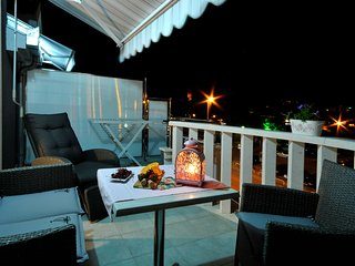 Private room with balcony in Trogir- Villa Maslina****