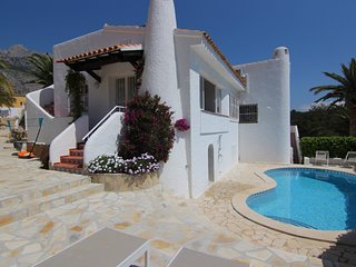Altea Villa-Sea and Mountain views - sleeps 8