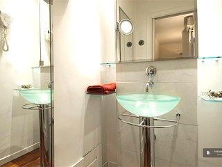 Wonderful 2 bedroom Apartment in Rome  (FC2397)