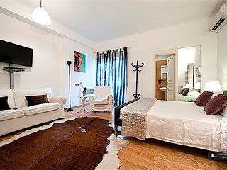 Exquisit 2 bedroom Apartment in Rome  (FC5186)