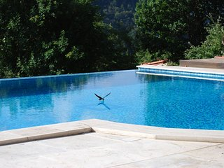 Stunning secluded Tuscan Home and Private Infinity Pool with Roman steps