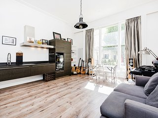 Bright and Spacious One Bed Flat in Bayswater