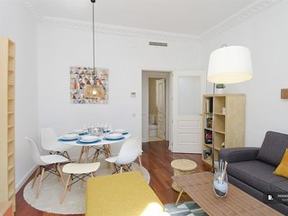 Stunning 4 bedroom Apartment in Madrid (F1474)