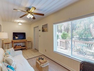 NEW LISTING! Cozy townhome w/beach access-near amusements parks & golf