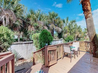 NEW LISTING! Comfy set of homes w/peaceful location near beach, natural beauty