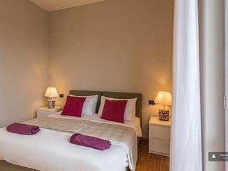 Sparkling 4 bedroom Apartment in Milan (FC2224)